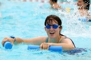 Вправи в басейні