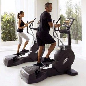 Вправи в тренажерному залі можна поєднувати з домашніми заняттями